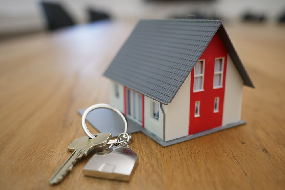 what is a rental broker fee and who pays it